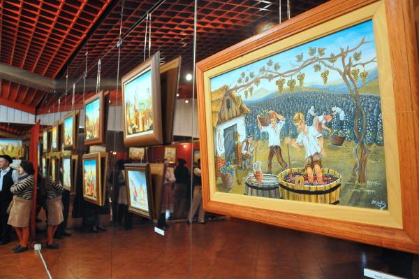Hneď dve výstavy naraz otvorili 3. apríla v galérii domu umenia