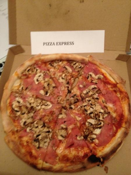 posoda za zdravo kuhanje in kvalitetni pripomo ki pizza express piestany. Black Bedroom Furniture Sets. Home Design Ideas
