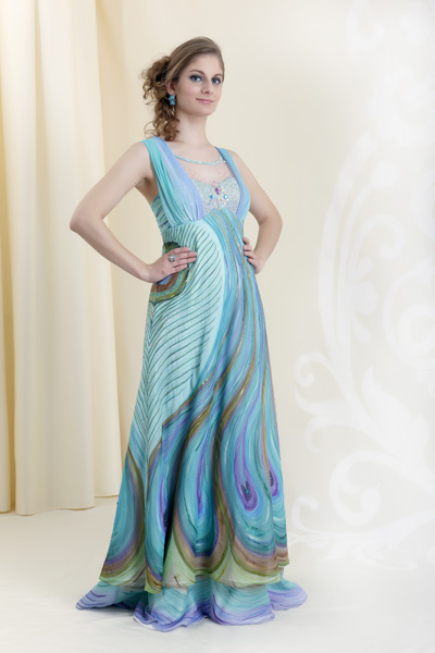 86364a15f4d5 Nechajte sa inšpirovať čo si obliecť na ples - PNky.sk