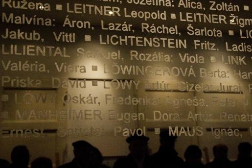 holokausttitulka