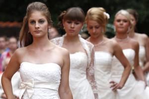 20f27e2866cf Inšpirácia pre budúce nevesty – svadobný deň v hoteli Štefánik - PNky.sk