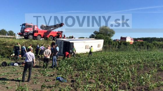 YLal.nehoda_autobusu_pri_piestanoch[1]