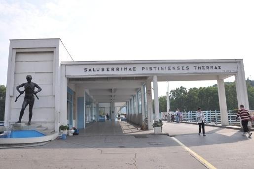 kolonadovymosttitulka1