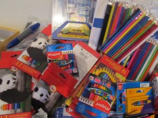 skolske potreby charita1