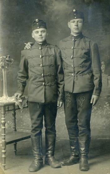 Mládenci z Moravian idú do vojny (archív B.Vavrovej)