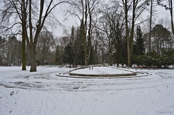 Fontana pod snehom Jana Arbetova (1)