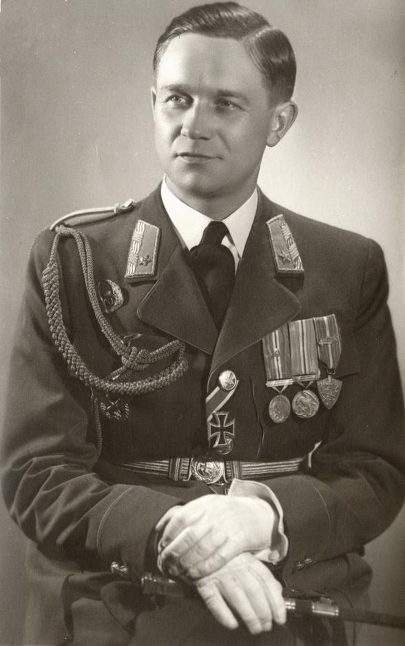 08 Veliteľ stíhacej perute mjr. let. Vladimír Kačka_resize_resize_resize