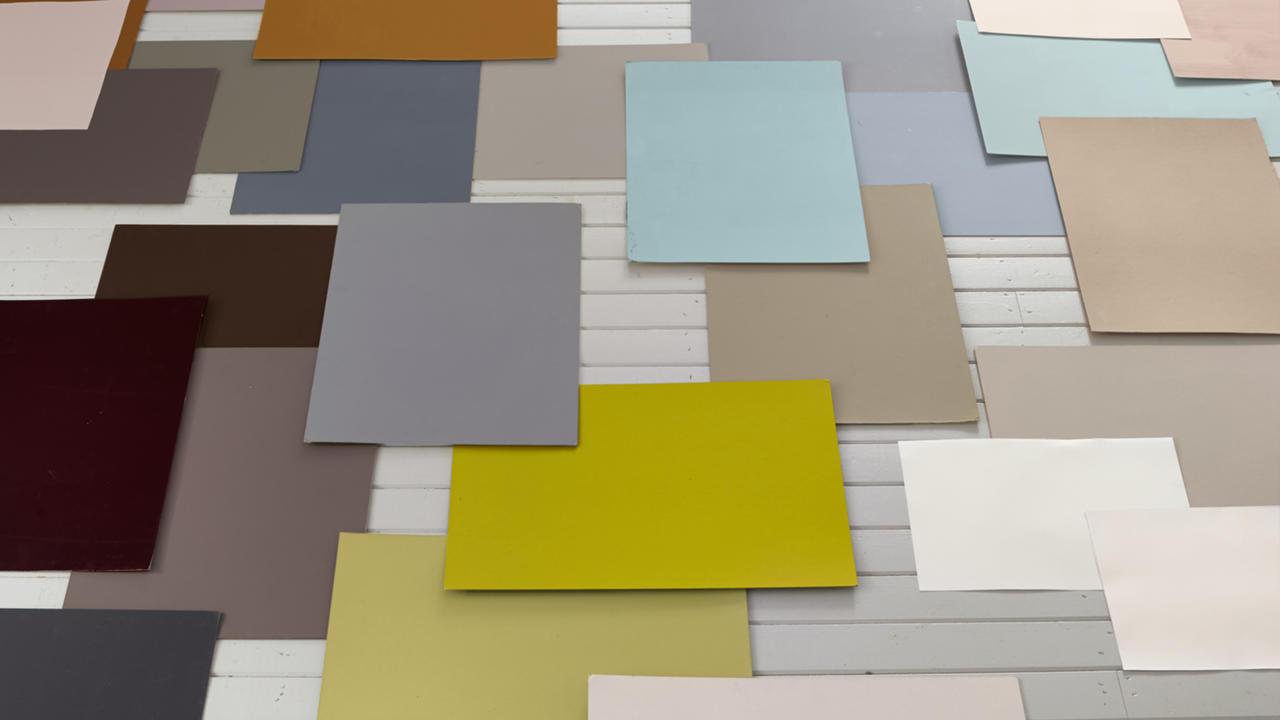 tipy-a-triky-ktere-potrebujete-kdyz-si-vybirate-novou-barvu-pro-ramovani-interieru