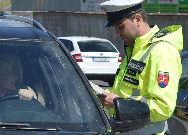 policajt-dopravny-ilustr
