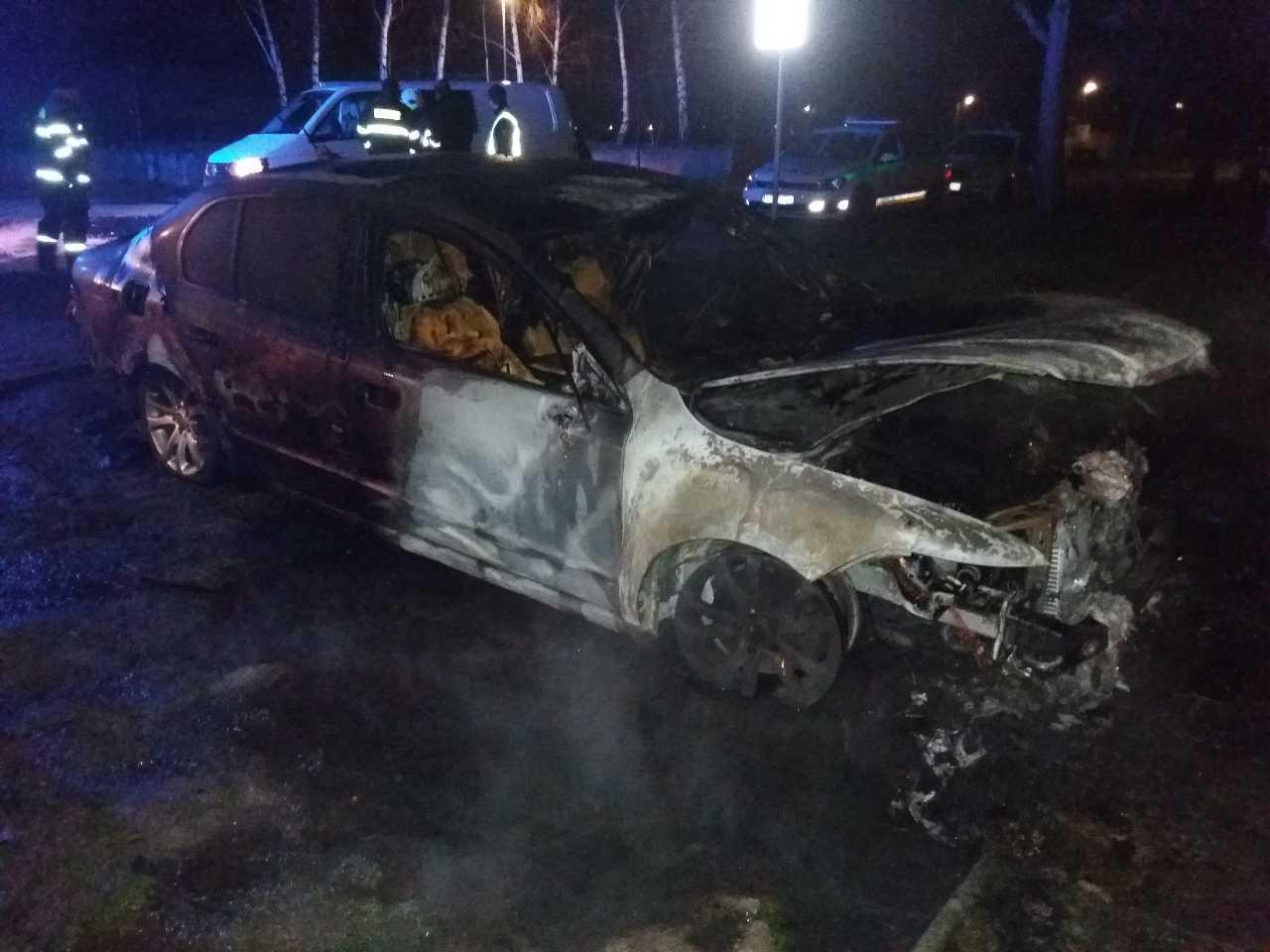 požiar auto (1)
