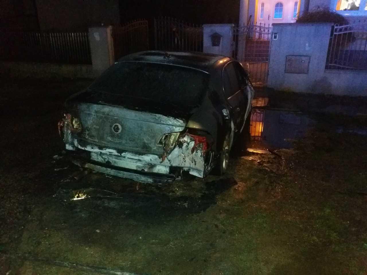 požiar auto (2)