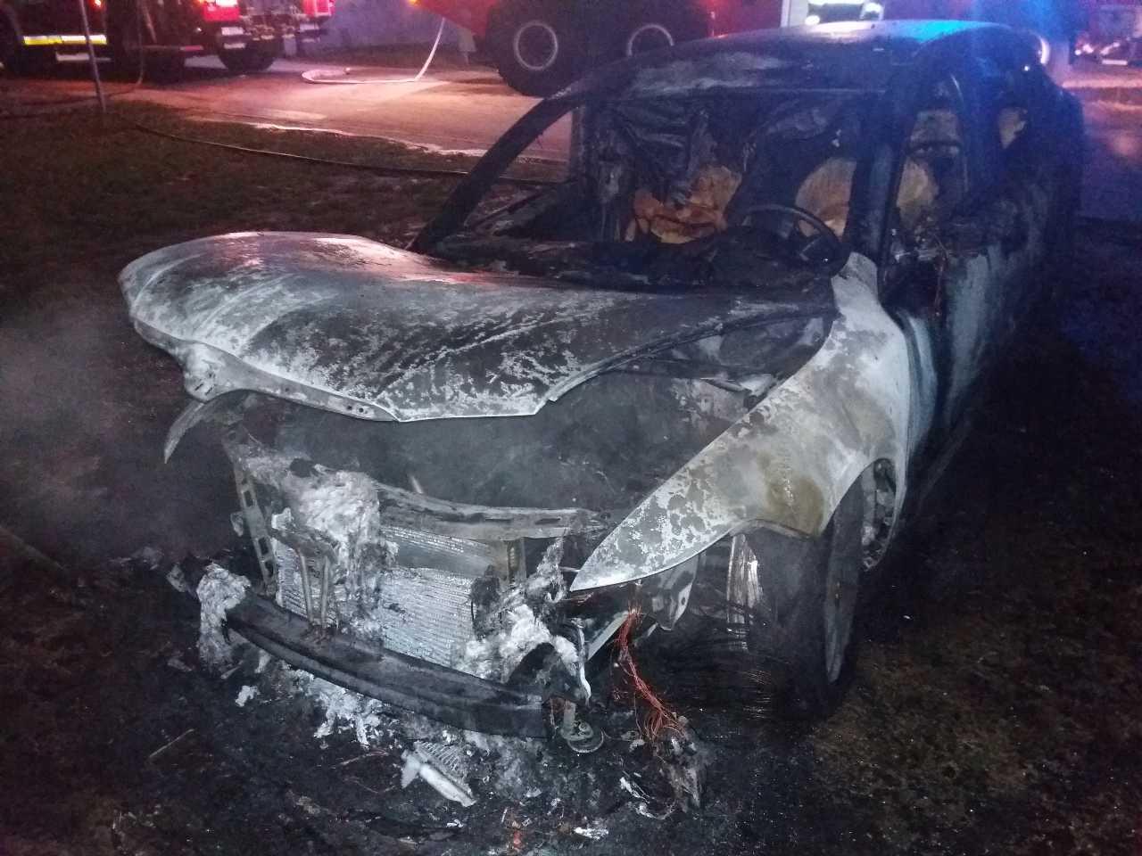požiar auto (4)