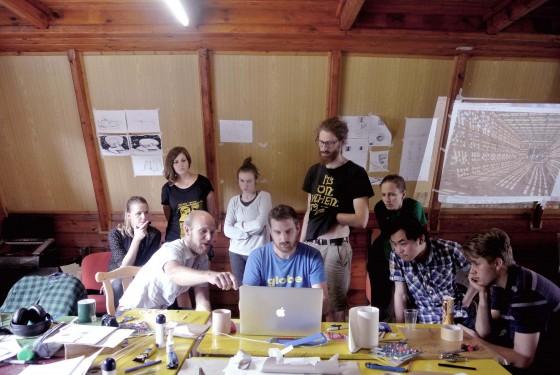 účastníci workshopu jedna k jednej 2015