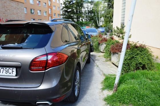 26 Royova parking