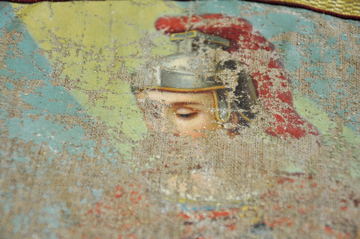 5 - detail poskodenej malby sv.Floriana na povodnej zastave_resize