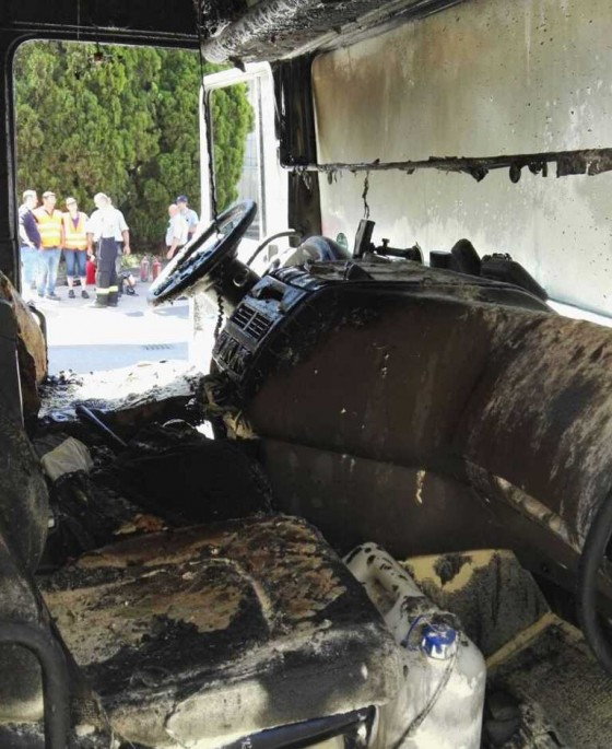 Požiar kabíny kamiona Trnava 02