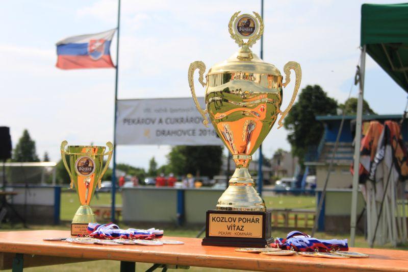 Víťazov aj porazených čakali krásne trofeje a medaily