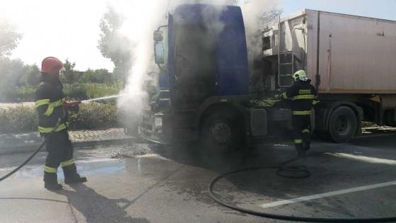 požiar kamiona Piešťany 02