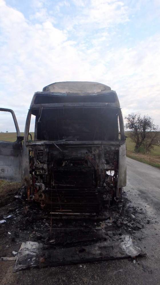 Požiar kamionu Merašice 01
