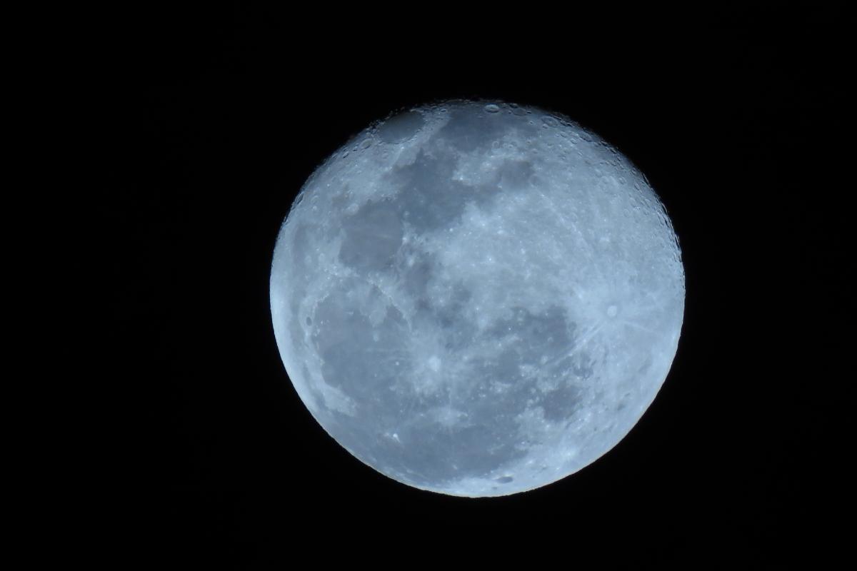 moon-1515929