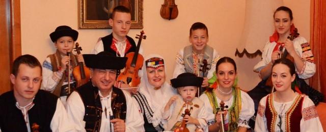 fe97d01268 Folklórne pásmo rodiny Hlbockých si môžete vypočuť už v stredu ...