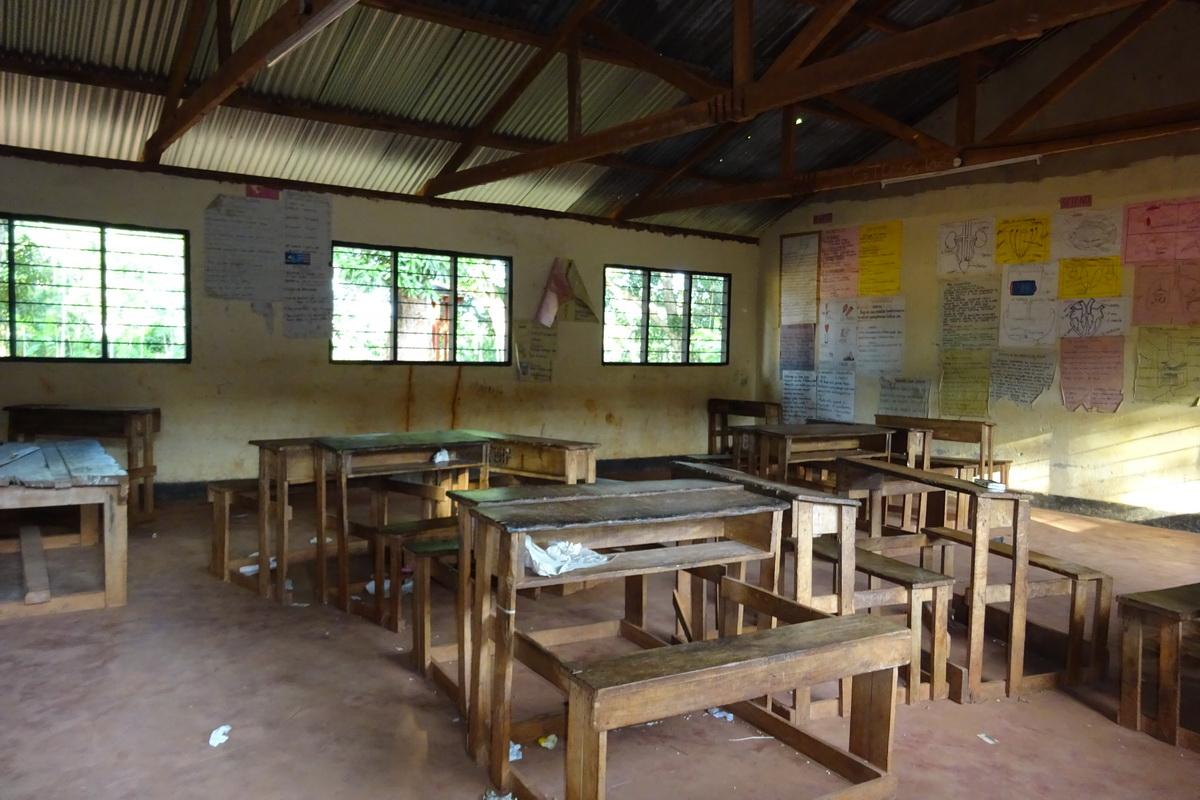 Kenská štátna základná škola_trieda zvnútra_resize
