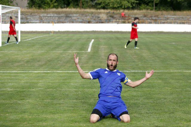 f41aa7c50 Futbal: Muži deklasovali Kľačany, starší dorast v súboji prvého s ...
