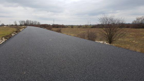 28478758c ... Trenčianskeho samosprávneho kraja, ktorý je investorom projektu, mal  byť prvý úsek Horná Streda Nové Mesto nad Váhom v dĺžke 13,5 km hotový do  novembra.