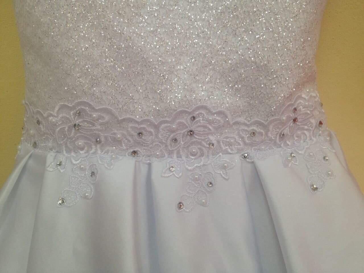 5320c14527cd Šaty pre vašu malú princeznú i pre vás nájdete v salóne Lenna - PNky.sk