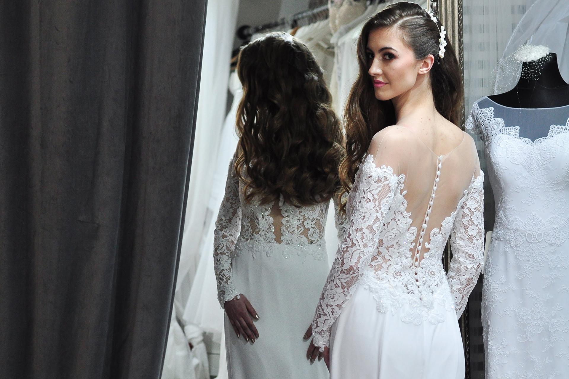 5345ddbb447e Chystáte sa na svoj veľký deň a hľadáte výnimočné svadobné šaty  Idete na  ples